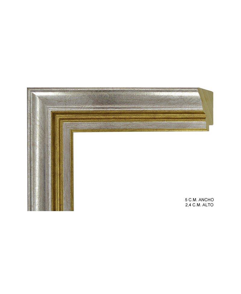 Moldura plata con linea dorada