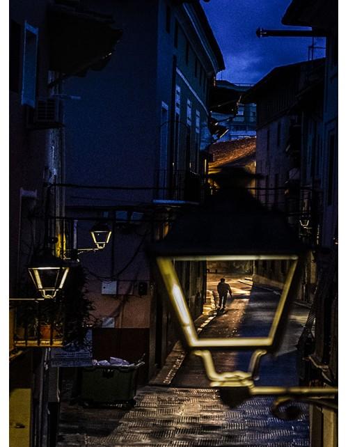 Cuadro tema: Desde mi balcón. Impresión sobre lienzo montado sobre bastidor. Listo para colgar.